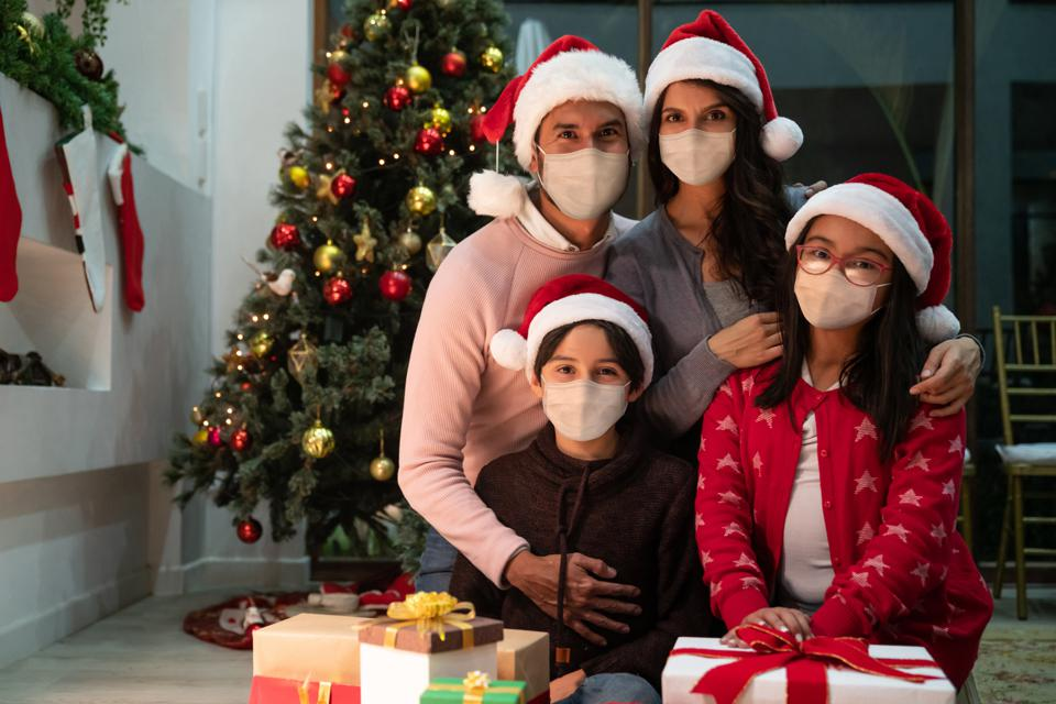 It's possible for you to enjoy the holidays and minimize the risks of coronavirus.
