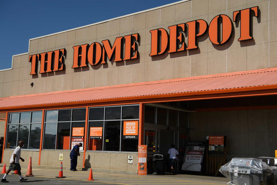 US-ECONOMY-RETAIL-EARNINGS-HOME DEPOT