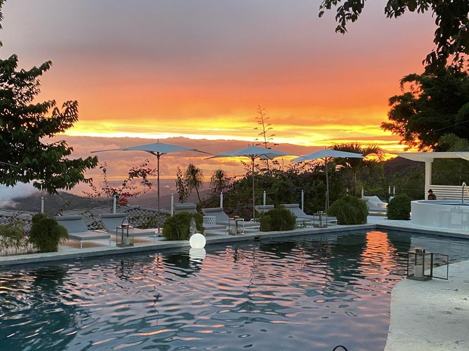 The Retreat costa rica Black Friday cyber Monday Travel Tuesday deals