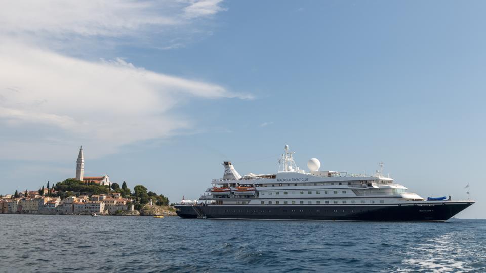 SeaDream Cruise ship leaves Rovinj