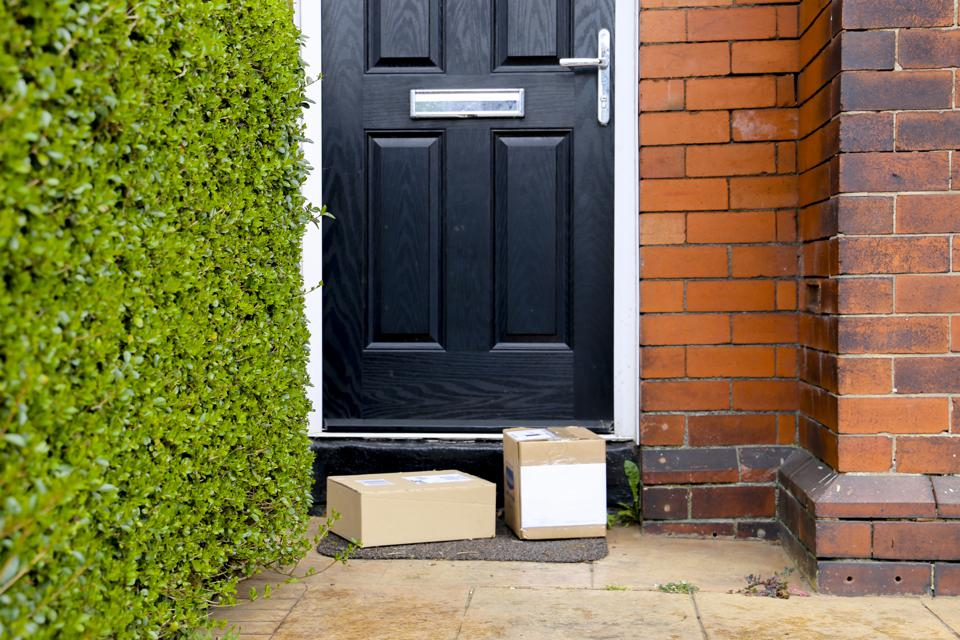 Selection of parcels in cardboard boxes