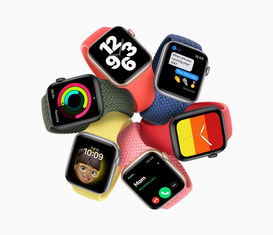 Apple Watch SE, different colors and bands.