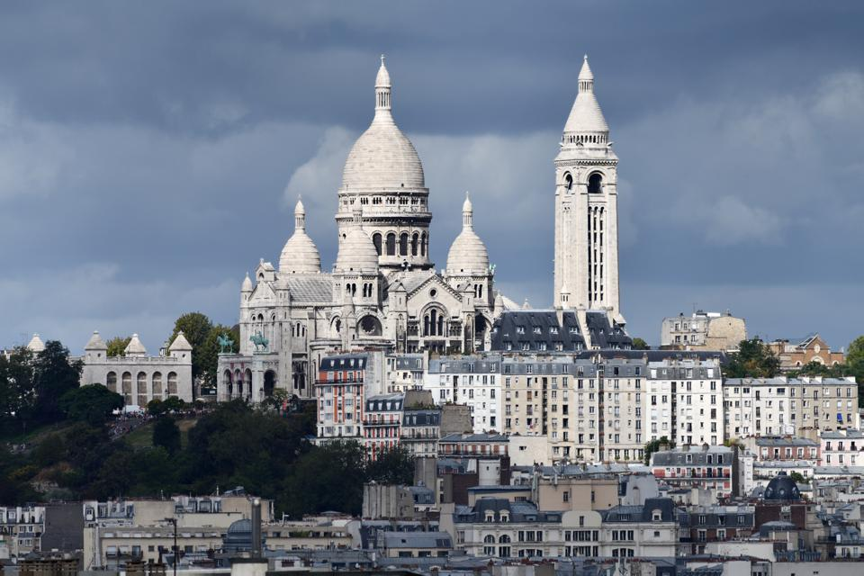 A striking picture of the Sacre Coeur basilica in Paris.