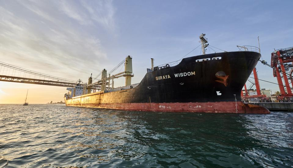 Global shipping have been permitted to increase emissions with older, riskier and more polluting vessels. Seen here: bulk carrier in Lisbon