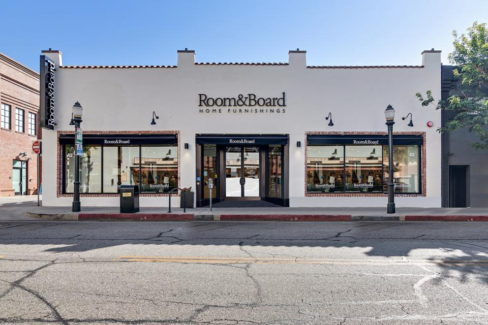 Room & Board Design Studio Pasadena exterior