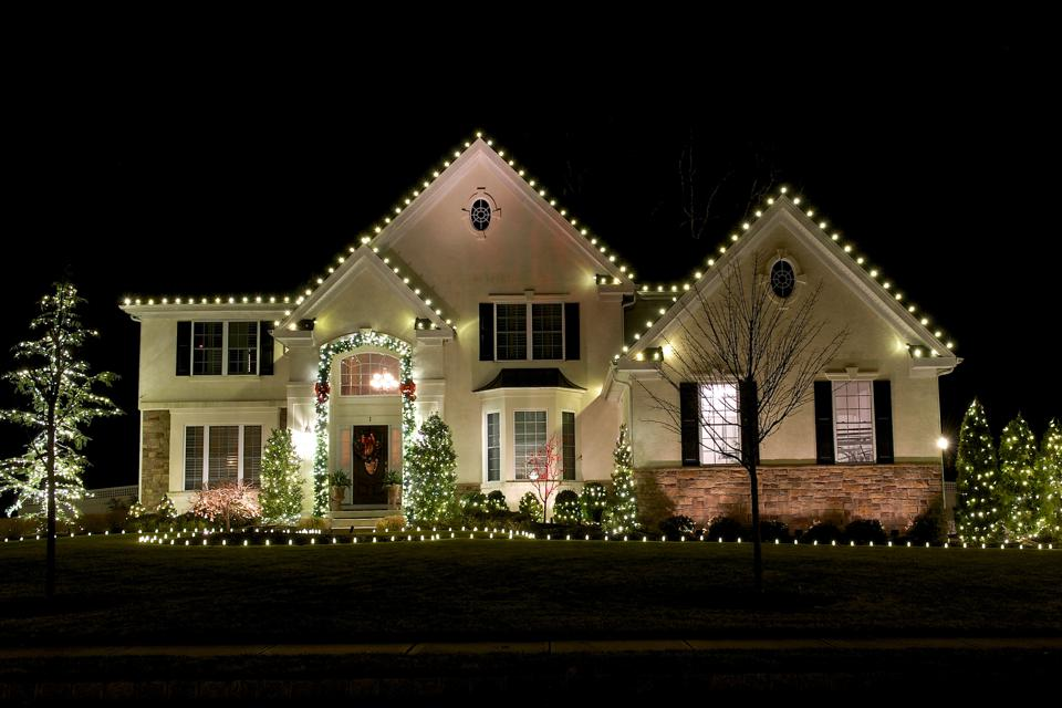 2021 New Christmas Outdoor Lights 8 Of The Best Outdoor Christmas Lights To Ring In The Holiday Season