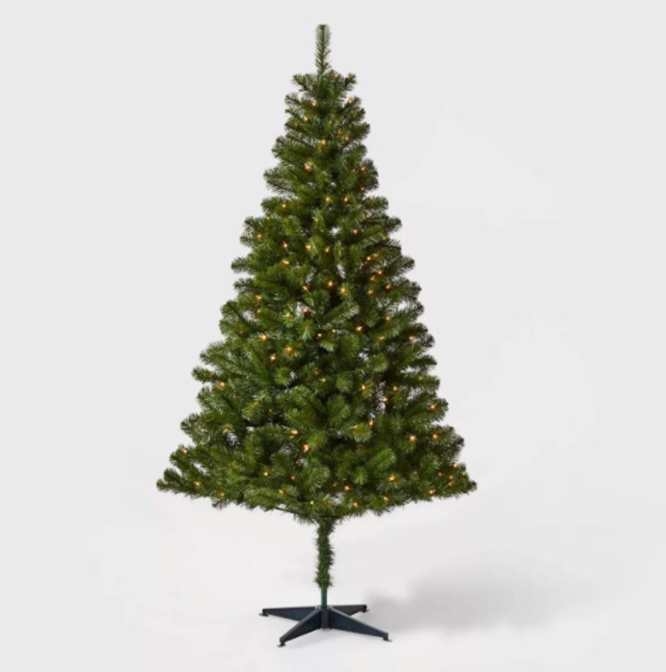 Wondershop 6ft Pre-lit Artificial Christmas Tree Alberta Spruce Clear Lights