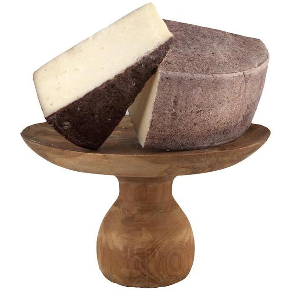 ″Drunken cheese″ from the Veneto region