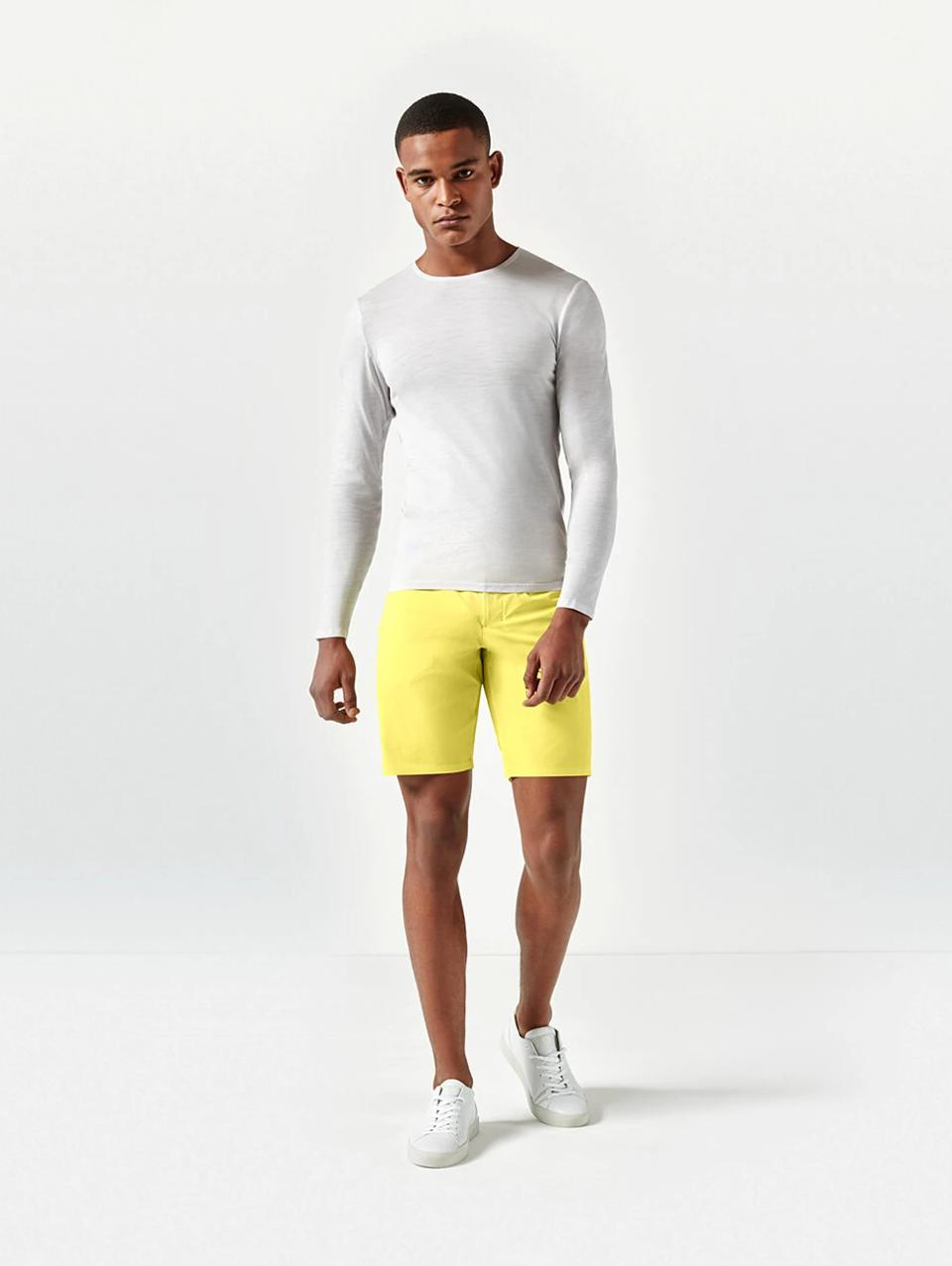 Find Aeance's Merino Jersey LS Tee and other high-end, sustainable pieces at Future Proper, the first online boutique for premium men's activewear brands.
