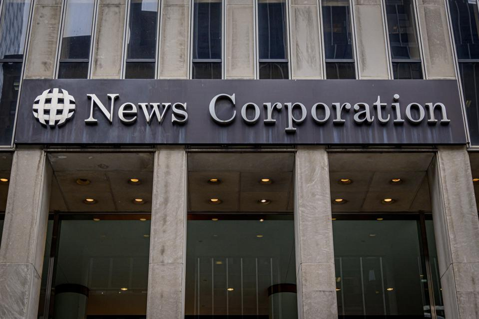Main entrance to News Corporation / Fox News headqiarters in...