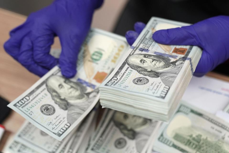 American U.S. 100 Dollar Bills
