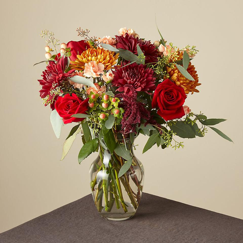 The Best Flower Delivery Services To Brighten Up Any Holiday Table
