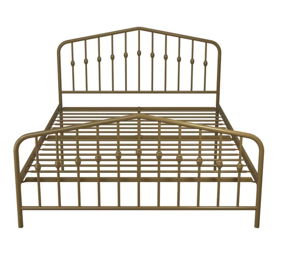 Bushwick Platform Bed (Queen)