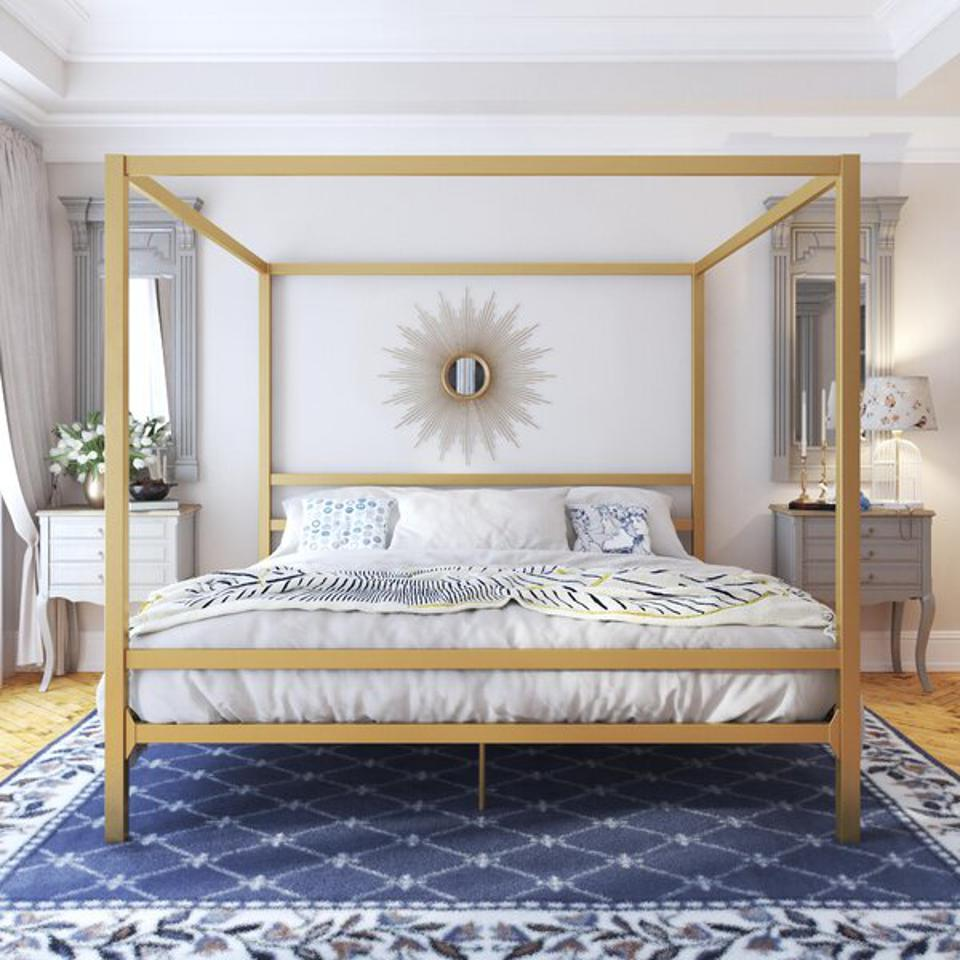 Dubay Canopy Bed (Full)