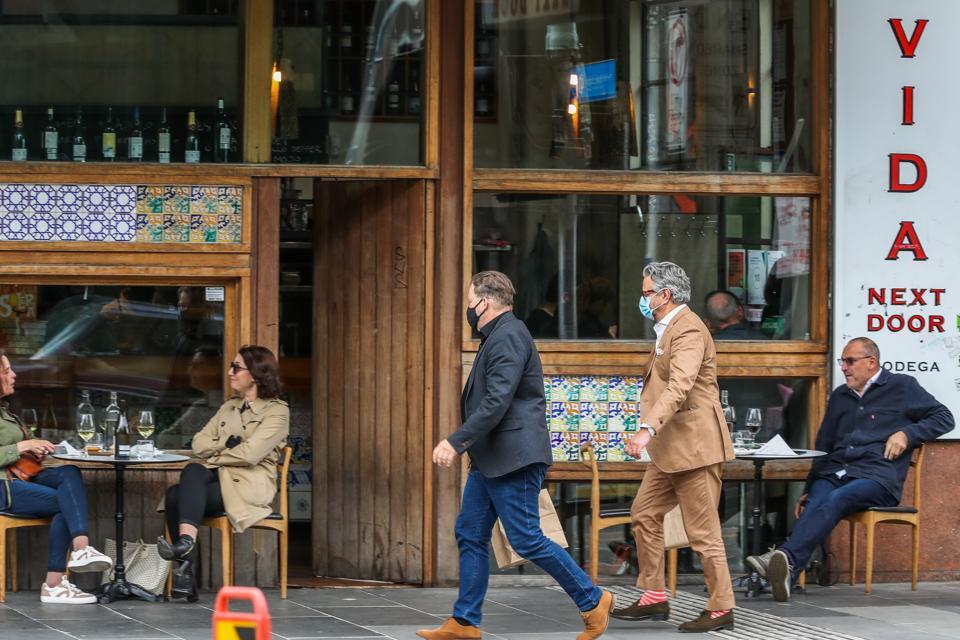 Melburnian Residents Enjoy Everyday Life Under Easing Covid-19 Restrictions