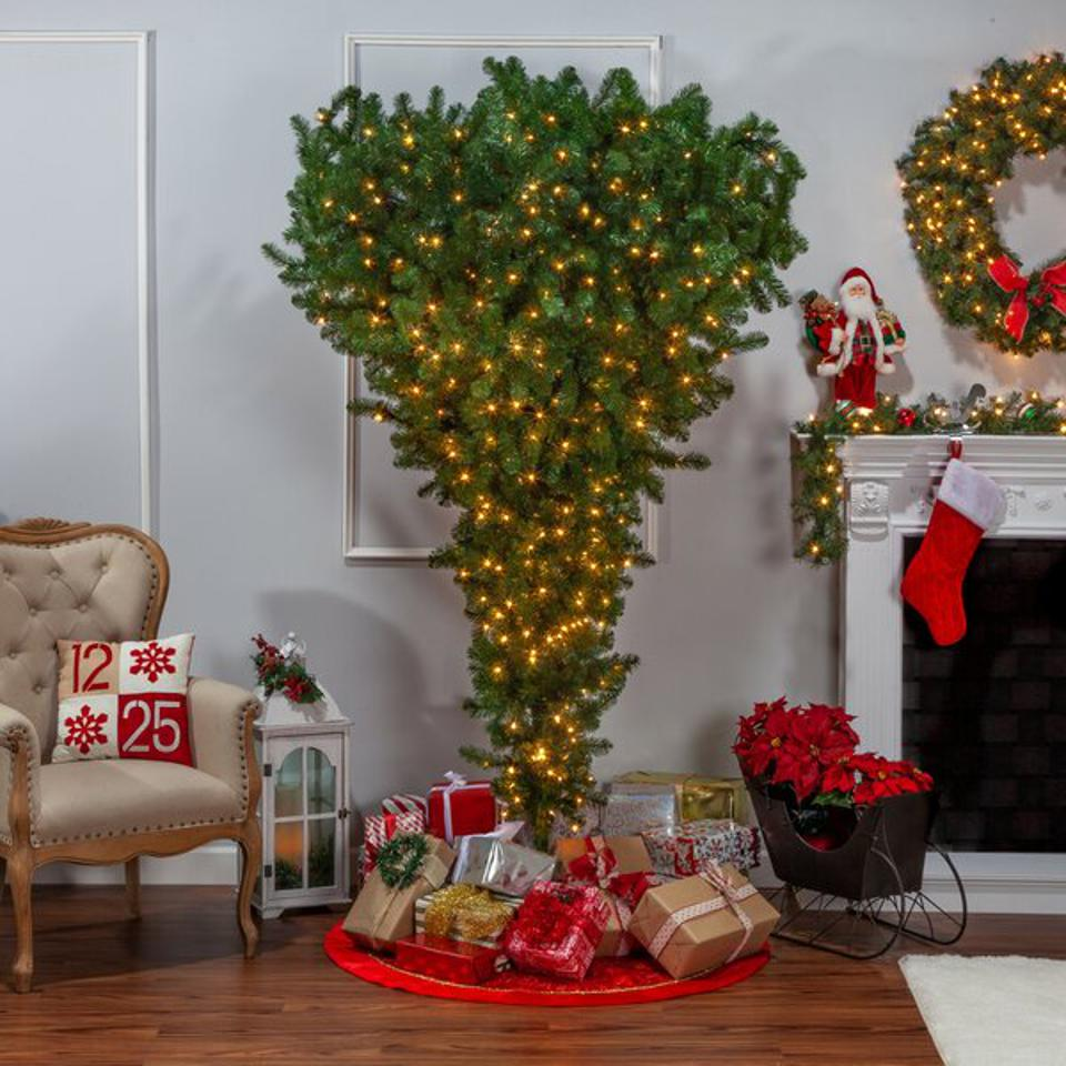 The Holiday Aisle 7.5' Green Artificial Christmas Tree