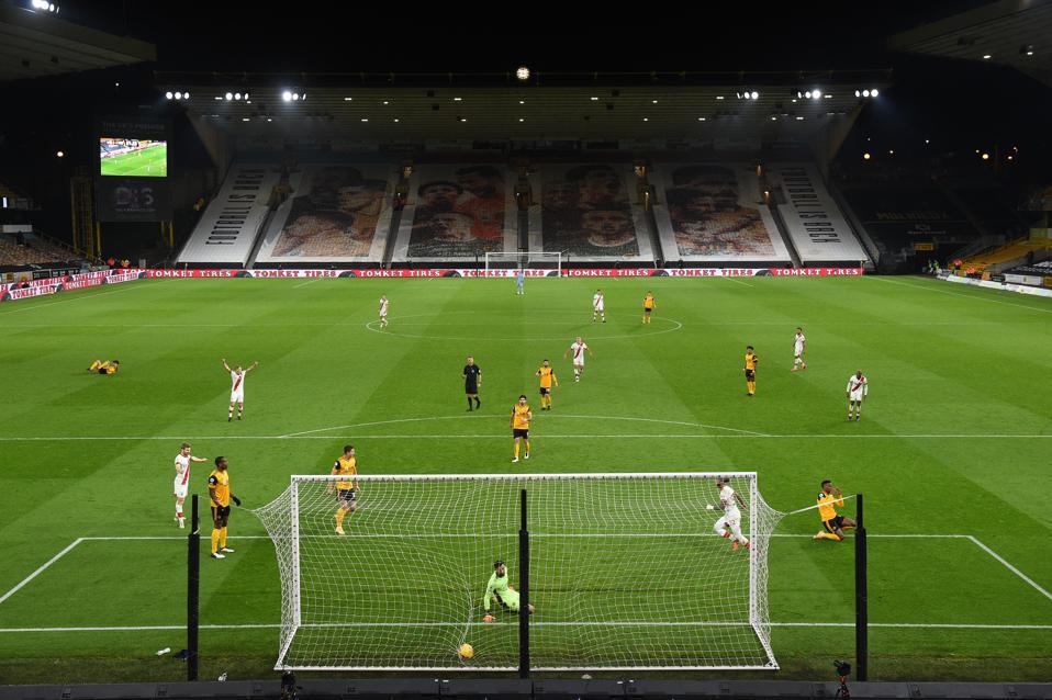 Wolverhampton Wanderers v Southampton - Premier League