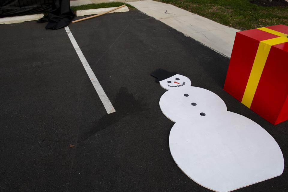 Americans Begin Decorating For The Holiday Season