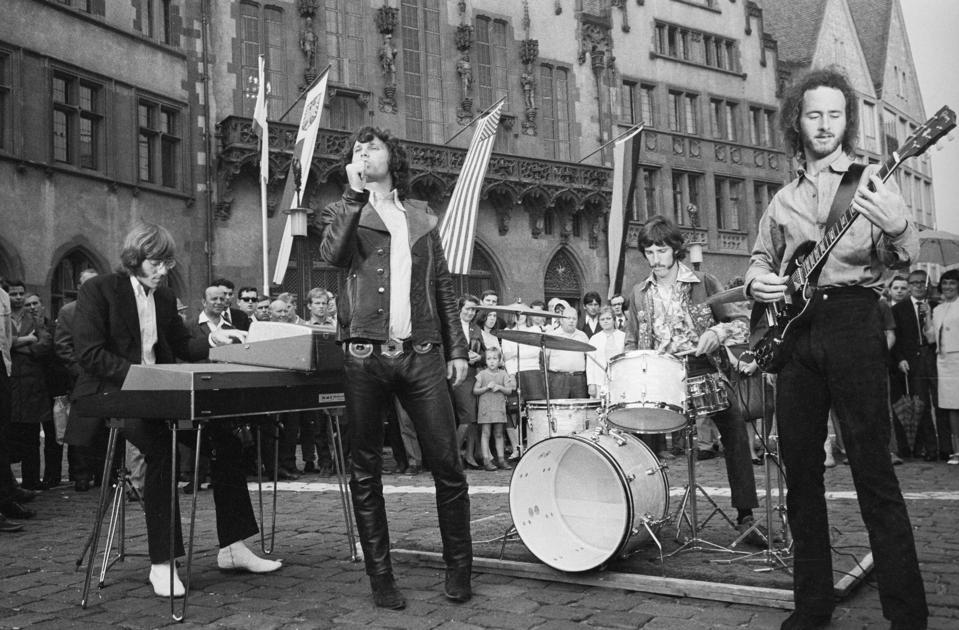 The Doors Singing on Street