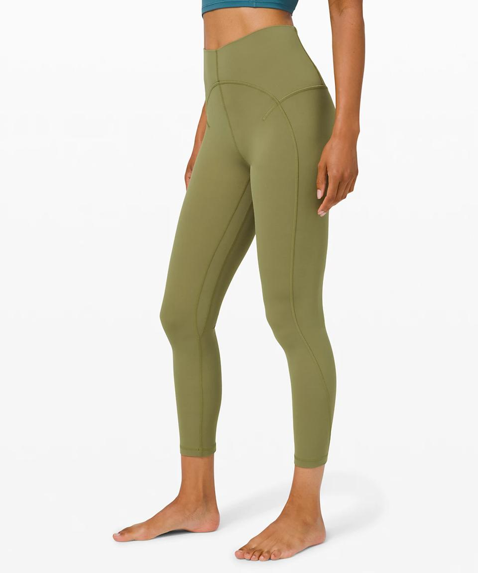 Unlimit High-Rise Tight 25″ in green.