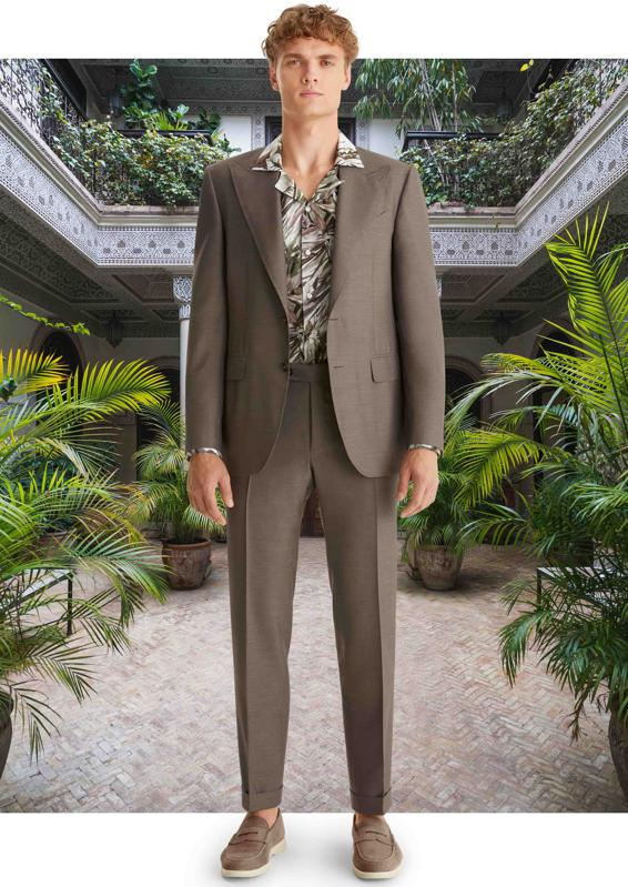 The CANALI Spring Summer 2021 collection focuses on adventures and the discoveries along the way. Designed to be limitlessly mixed and matched for enhanced fluidity and independence to explore one's own style.