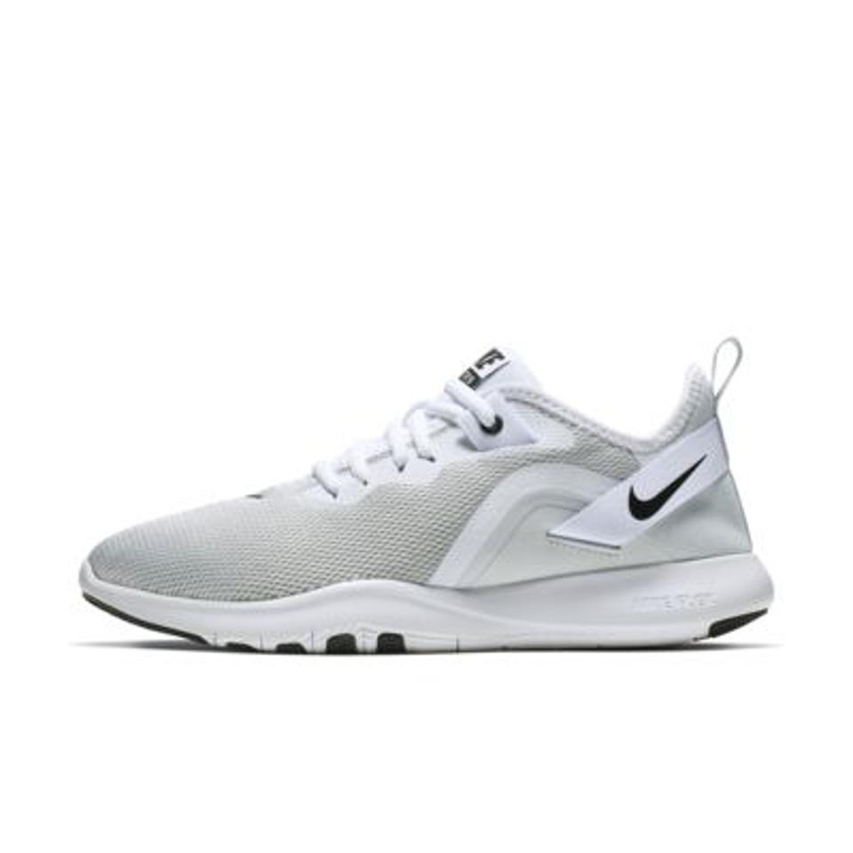 Nike Flex TR 9 Women's Training Shoe in gray and white.