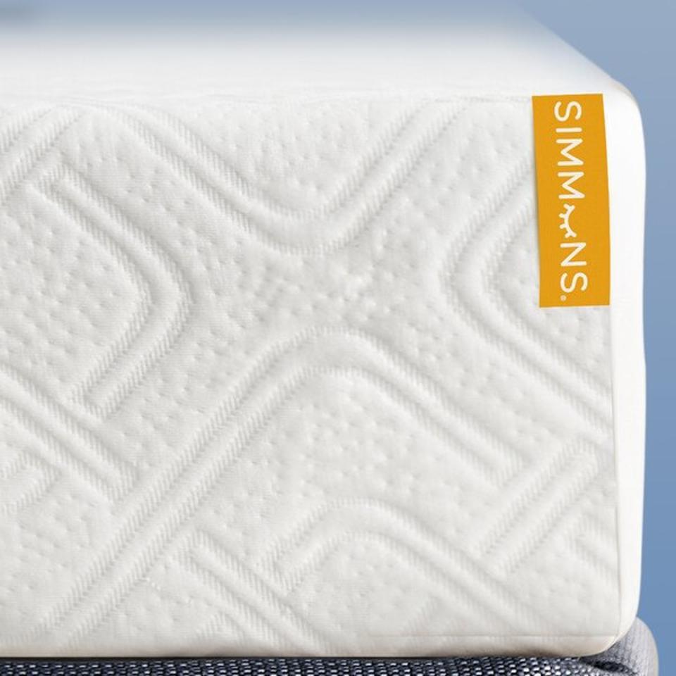 Simmons 8″ Medium Gel Memory Foam Mattress
