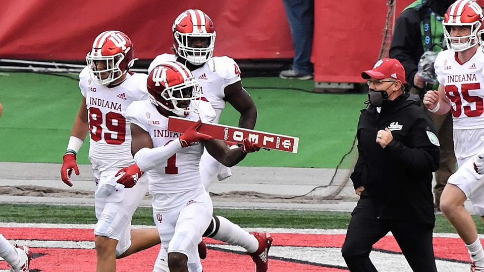 The Indiana Hoosiers take the field against the Ohio State Buckeyes.