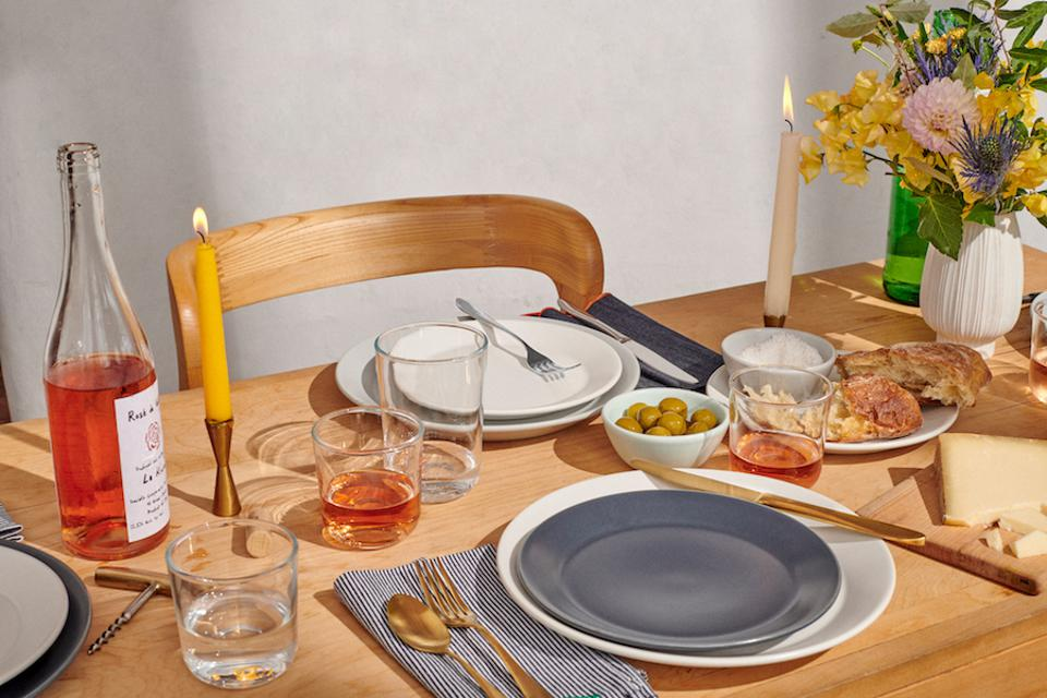 tablescape with gold flatare