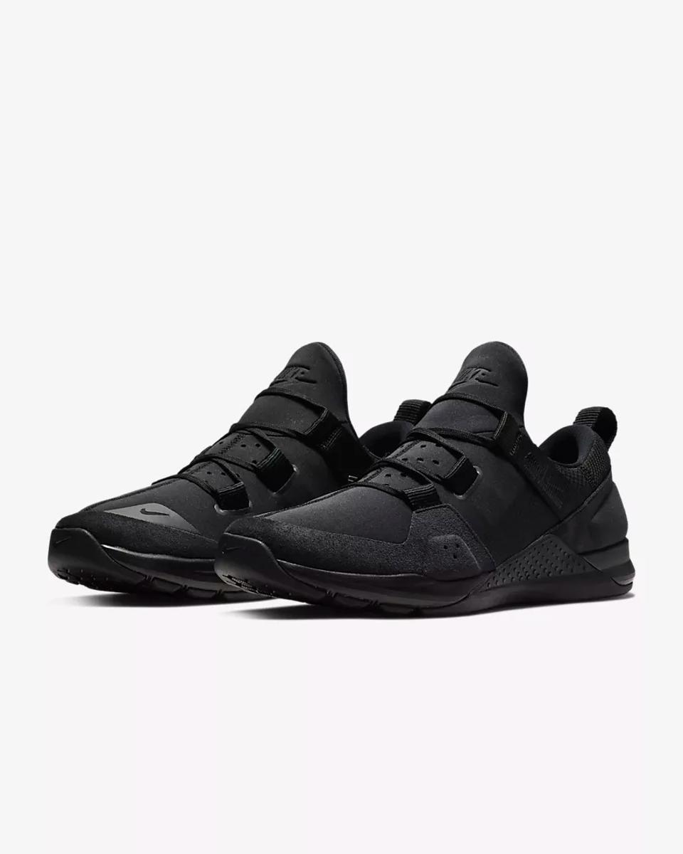 Nike Tech Trainer in black.