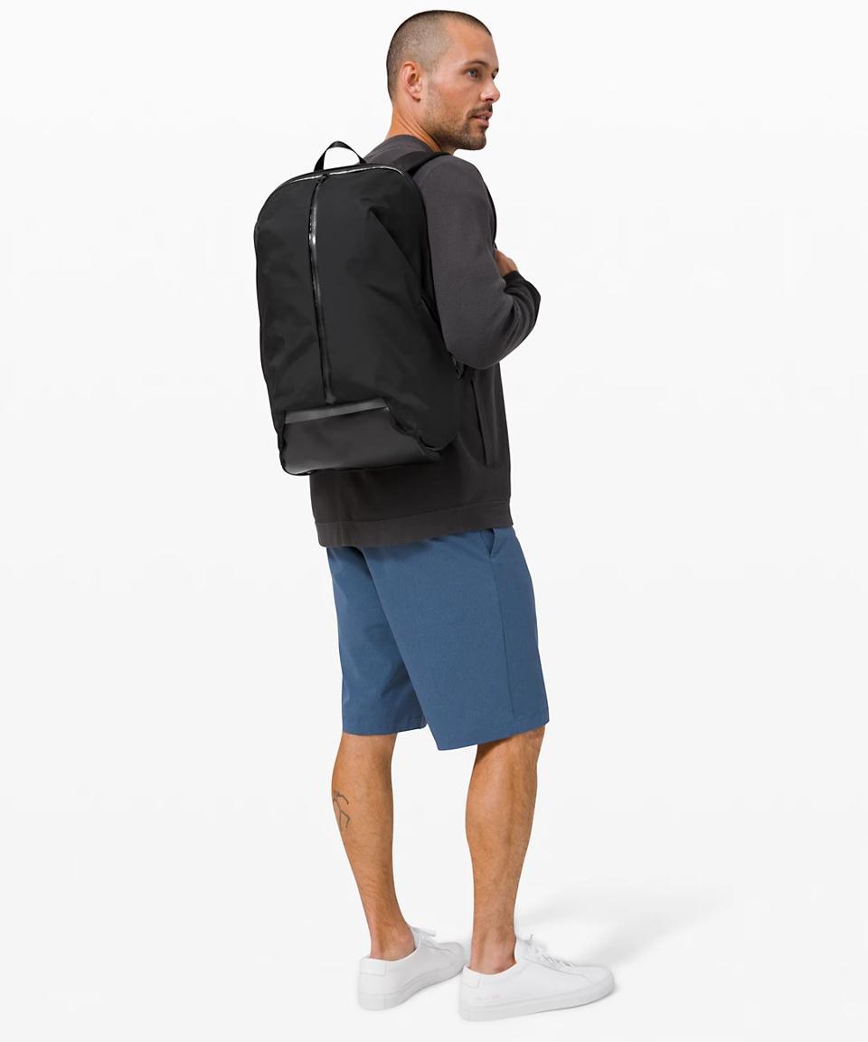 Para Backpack 23L in black.