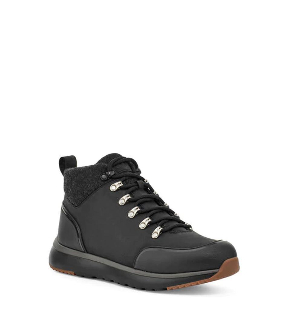 Olivert shoe in black.