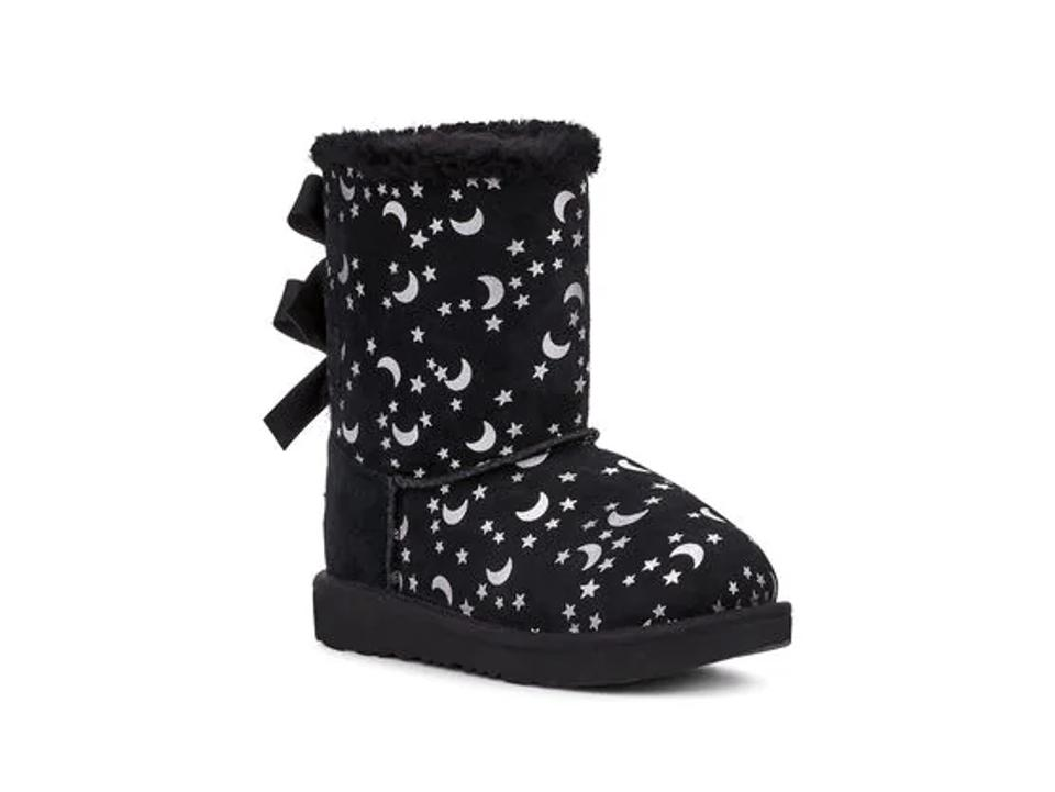 Black and white stars boots.