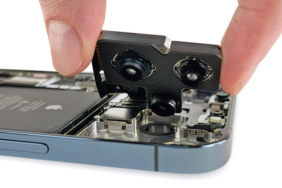 iFixit's teardown reveals a huge camera module inside Apple's iPhone 12 Pro Max