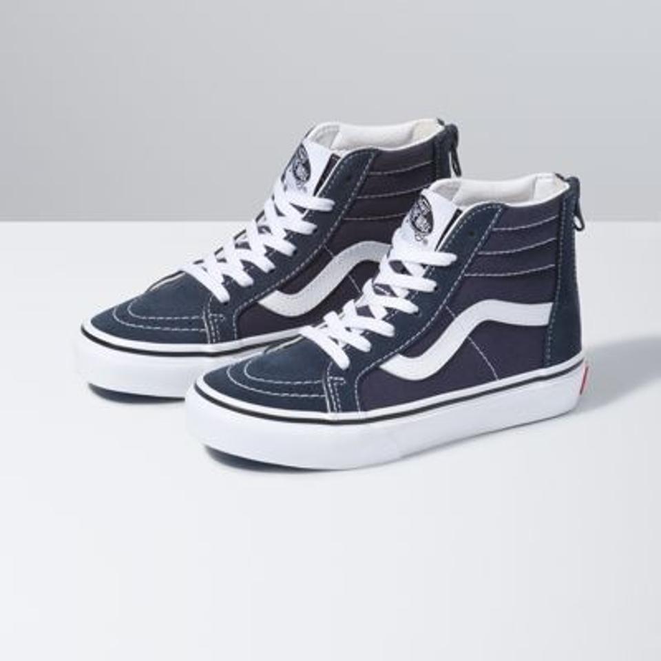 Navy Kid's Sk8-hi sneakers.