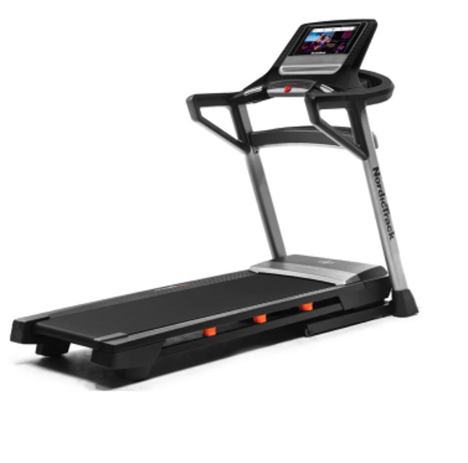 T 9.5 S Interactive Trainer Treadmill