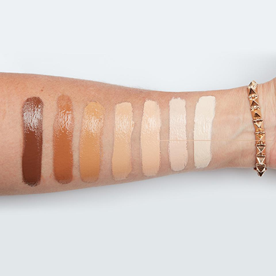 A shade swatch of Blunder Cover