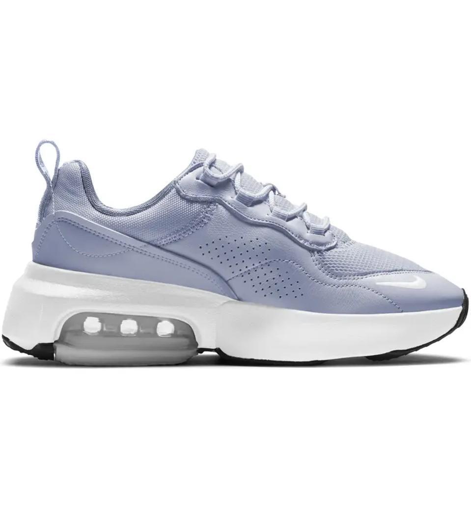 Nike air max verona sneaker in lilac.