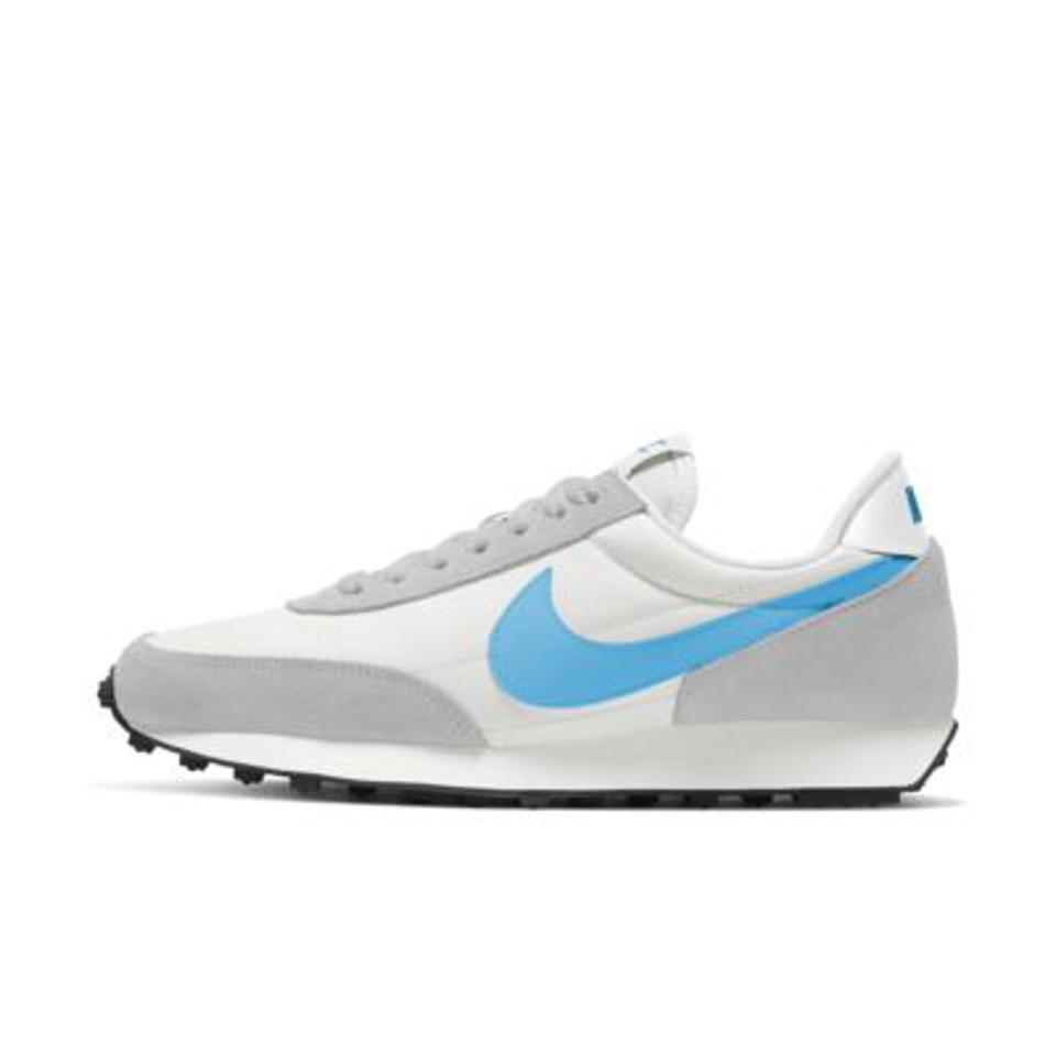 Nike Daybreak shoe in gray and blue.