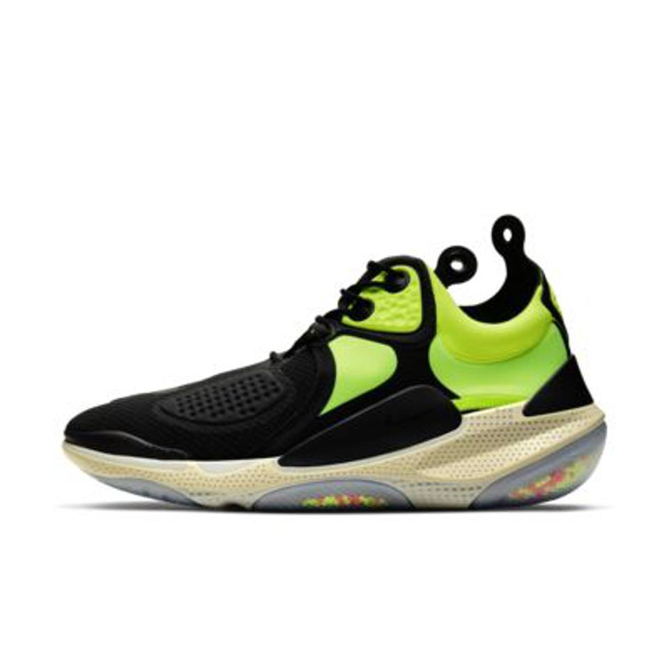 Nike Joyride CC3 Setter in black and neon green.