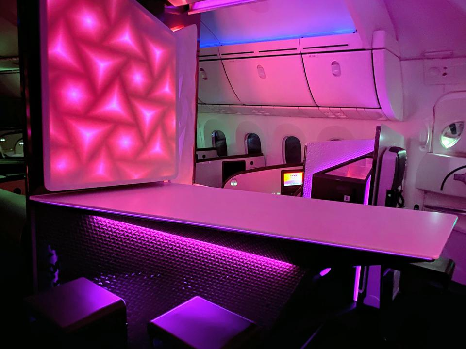 Virgin Atlantic Boeing 787 bar