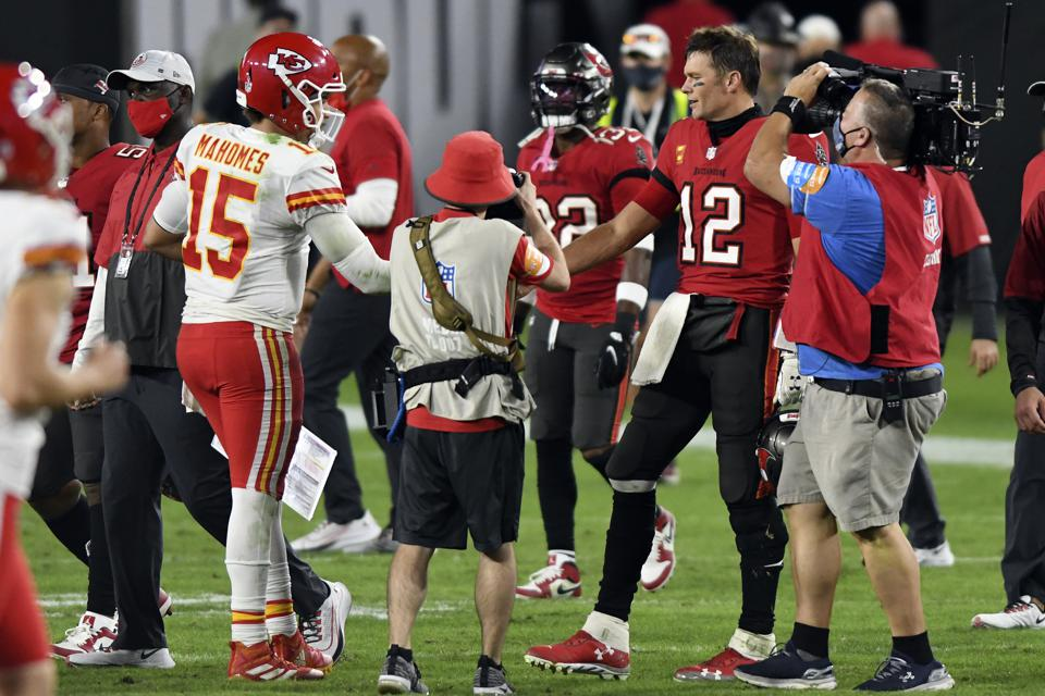 Patrick Mahomes And The Kansas City Chiefs Outduel Tom Brady S Buccaneers
