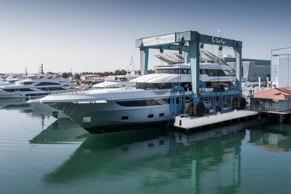 Majesty 175 le plus grand yacht de production composite au monde