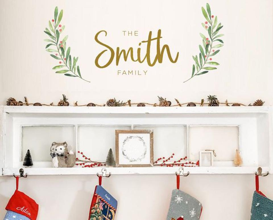 Custom family name wall decal tempaper