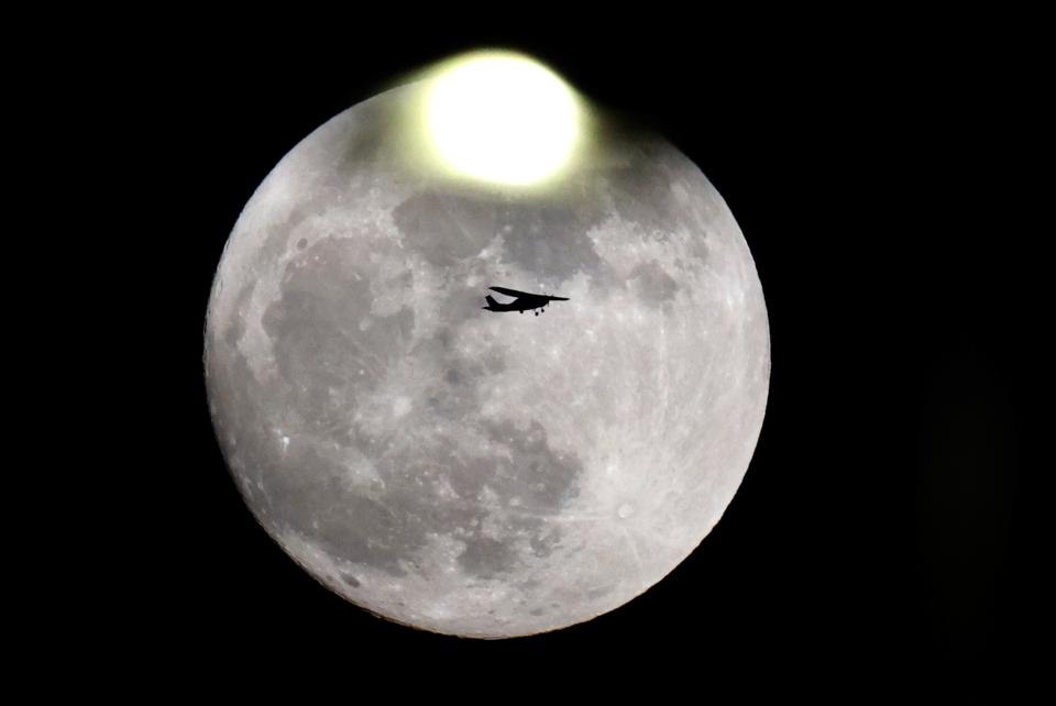 Full November moon in  ISRAEL-TRANSPORT-WEATHER-ASTRONOMY