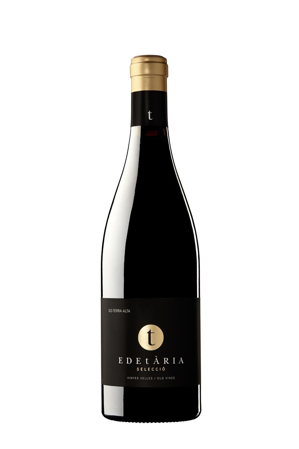Bottle of red wine, El Mas Edetària Selecció