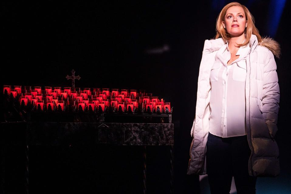 Elizabeth Stanley stars in Jagged Little Pill