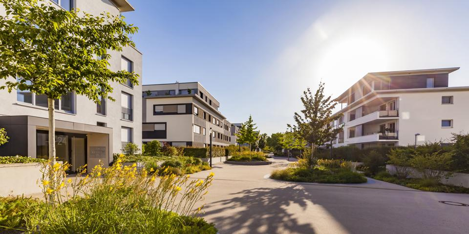 Germany, Ludwigsburg, residential area with modern multi-family houses