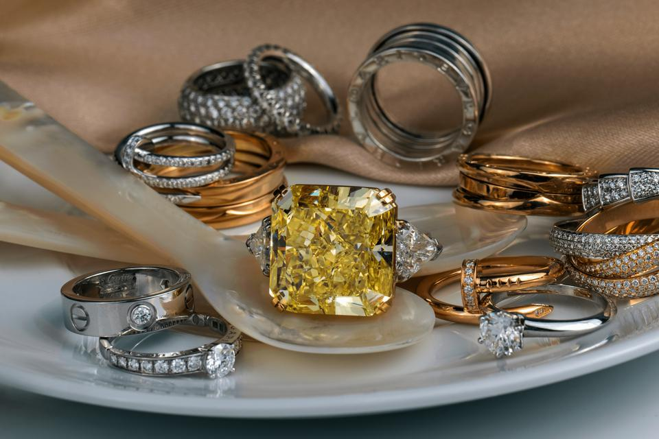 Pieces from Cartier, Bulgari and Tiffany & Co. surround a rare Fancy Intense Yellow Diamond ring. Discover CIR CA's Online Boutique. A unique collection of authentic pre-owned jewelry – rare one-of-a-kind pieces and brand icons at incredible value.