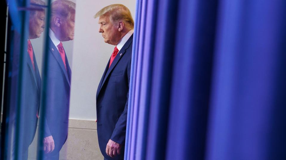 TOPSHOT-US-POLITICS-TRUMP